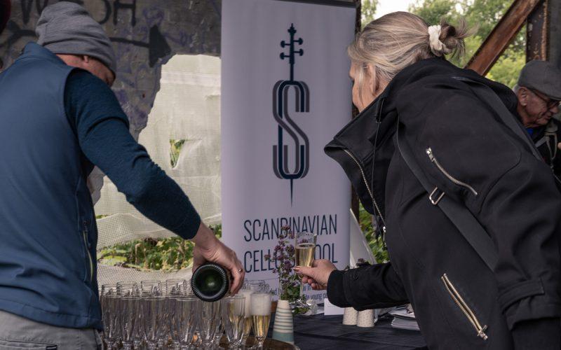 SCS Cello Champagne Walks 02